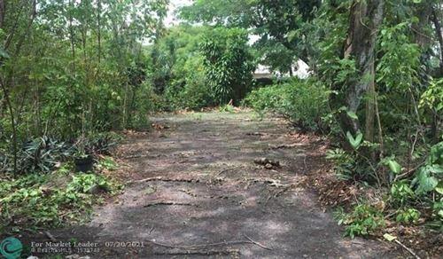 Photo of 5620 SW 67th Ave, South Miami, FL 33143 (MLS # F10293647)