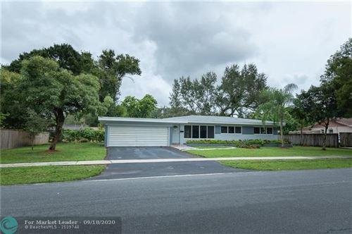 Photo of 252 SW 61 Avenue, Plantation, FL 33076 (MLS # F10248648)
