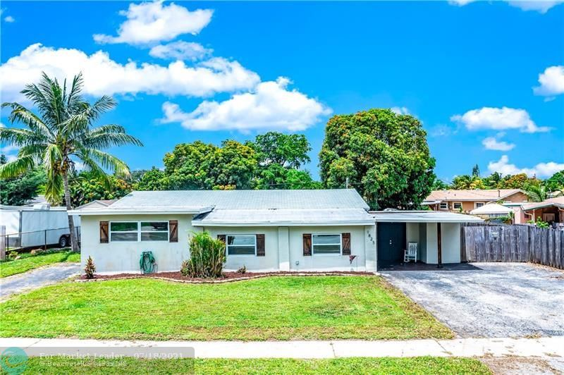 Photo of 1825 SW 36th Ter, Fort Lauderdale, FL 33312 (MLS # F10292648)