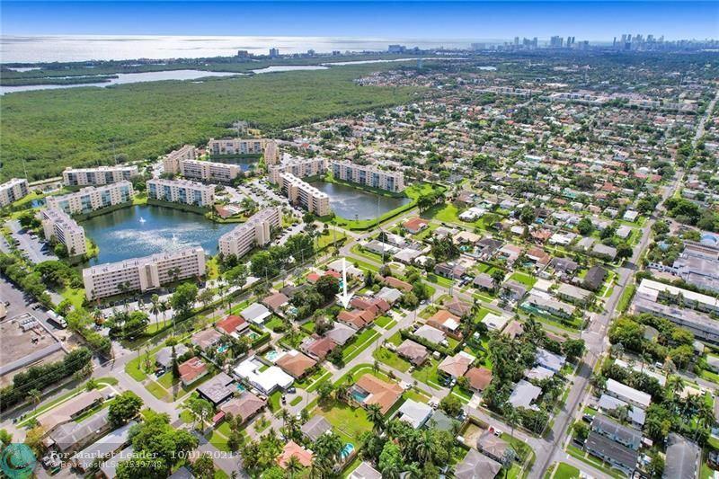 Photo of 131 SE 2nd ct, Dania Beach, FL 33004 (MLS # F10302655)