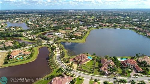 Foto de 3011 Lago Ridge Ln, Weston, FL 33332 (MLS # F10217660)