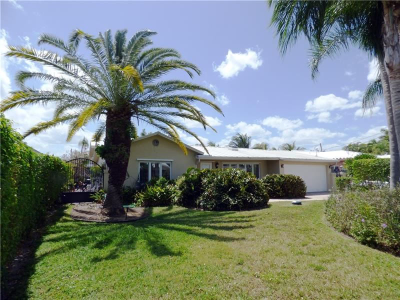 Photo of 2118 NE 15th St, Fort Lauderdale, FL 33304 (MLS # F10279660)