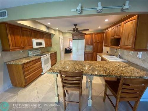 Foto de inmueble con direccion 3111 Coral Springs Dr #215 Coral Springs FL 33065 con MLS F10219662