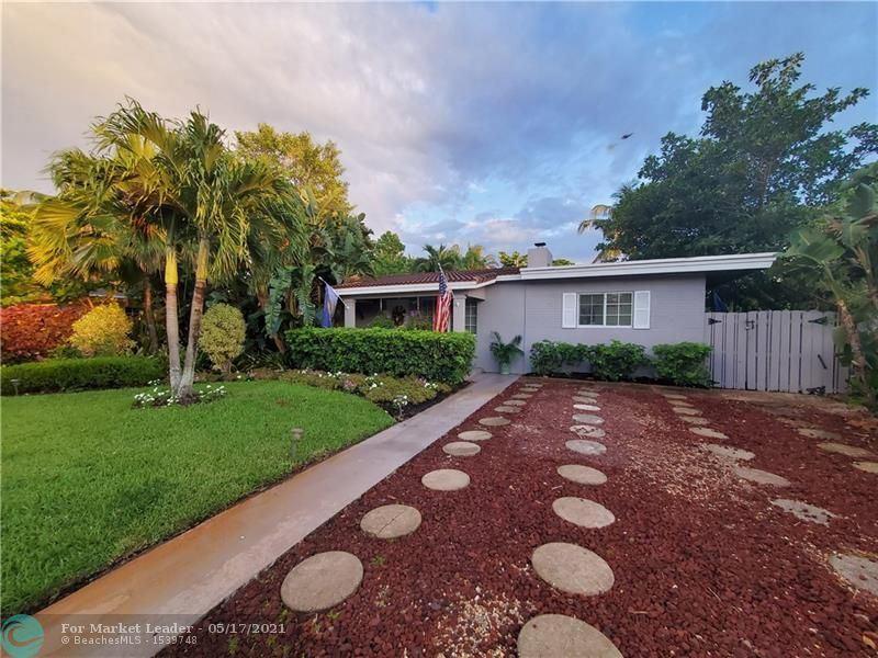 Photo of 208 NE 16th Ct, Fort Lauderdale, FL 33305 (MLS # F10284668)