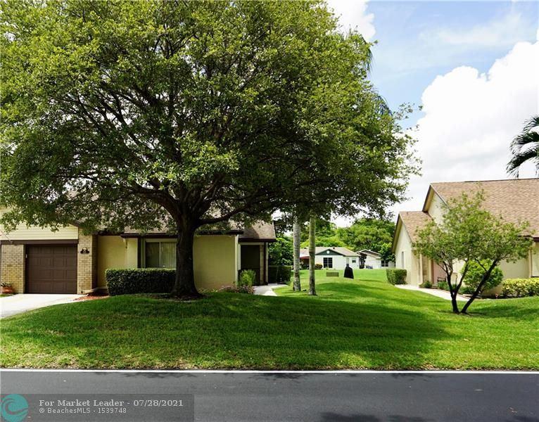 116 Village Walk Dr, Royal Palm Beach, FL 33411 - #: F10294673