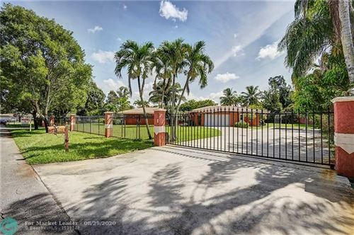 Photo of Listing MLS f10234677 in 120 N Hibiscus Ct Plantation FL 33317