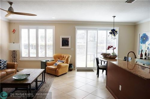 Foto de inmueble con direccion 4674 Tara Cove Way #41 West Palm Beach FL 33417 con MLS F10251679