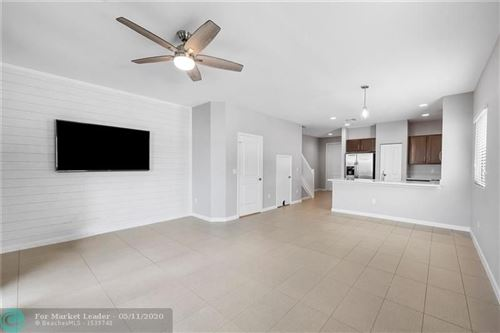 Photo of Listing MLS f10228686 in 4204 N Dixie Hwy #1 Oakland Park FL 33334