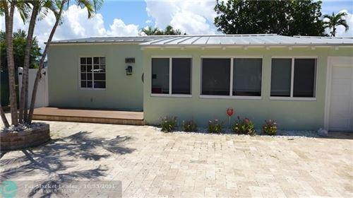Photo of 809 N Victoria Park Rd, Fort Lauderdale, FL 33304 (MLS # F10305687)