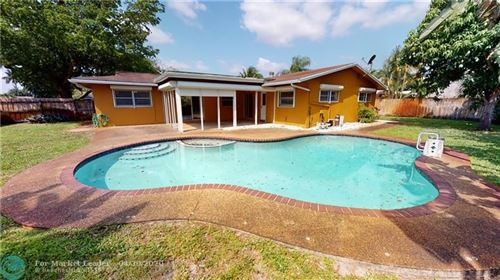 Photo of Listing MLS f10226691 in 810 SW 69th Ter Plantation FL 33317