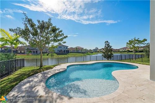 Photo of 8610 Lakeside Bnd, Parkland, FL 33076 (MLS # F10213705)