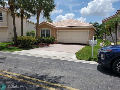 Foto de inmueble con direccion 11612 NW 52nd Ct Coral Springs FL 33076 con MLS F10231707