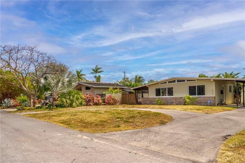 Photo of 2012 NE 29th Ct, Fort Lauderdale, FL 33306 (MLS # F10278715)