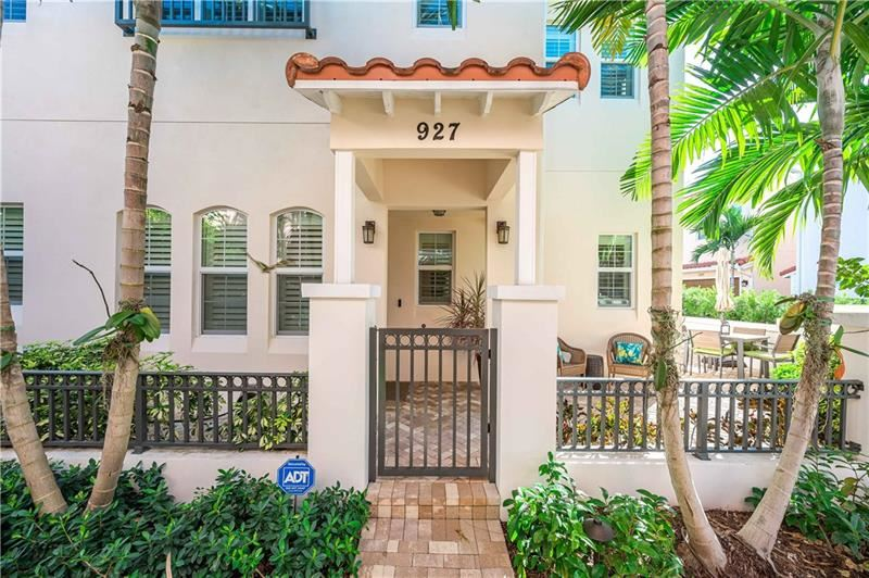 Photo of 927 N Victoria Park Rd, Fort Lauderdale, FL 33304 (MLS # F10270716)