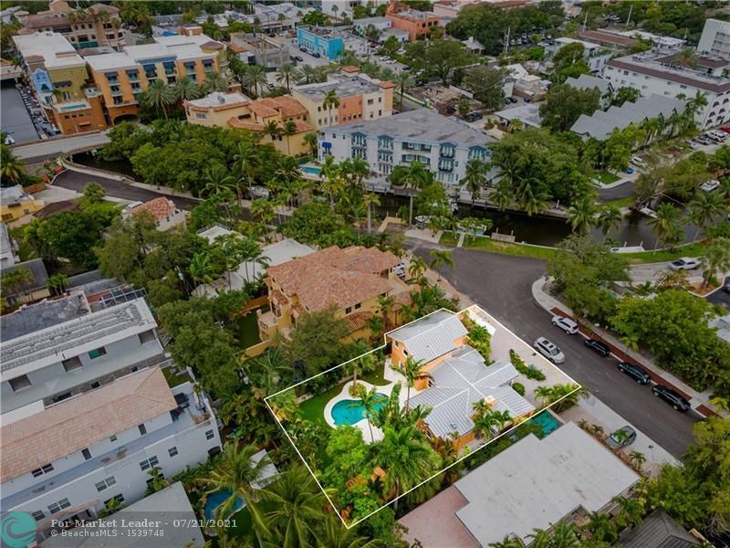 Photo of 110 SE 11th Ave, Fort Lauderdale, FL 33301 (MLS # F10293721)