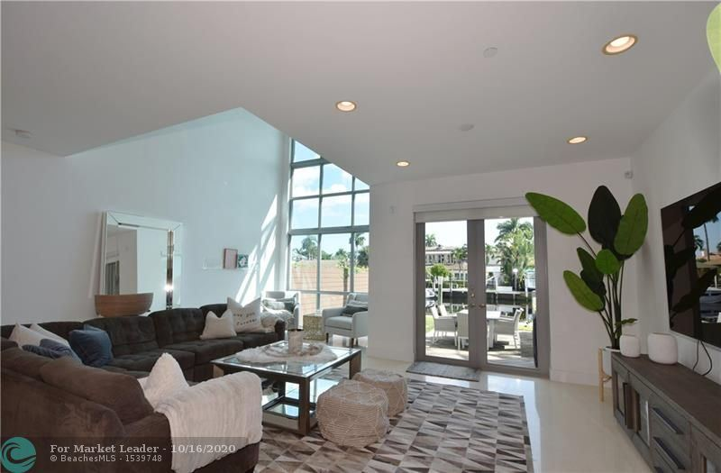 Photo of 148 Isle Of Venice Dr #148, Fort Lauderdale, FL 33301 (MLS # F10253722)