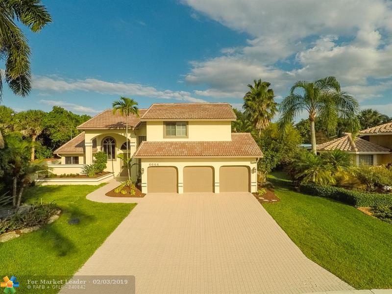Photo for 6644 NW 70th Pl, Parkland, FL 33067 (MLS # F10157729)