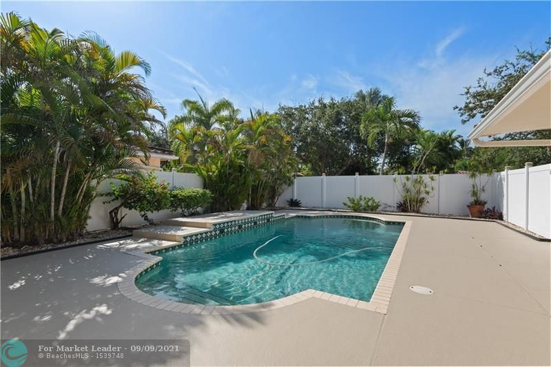 Photo of 1801 NE 20th St, Fort Lauderdale, FL 33305 (MLS # F10298733)