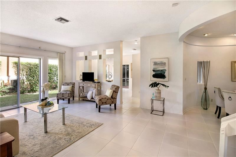 Photo of 11287 Lakeview Dr #11287, Coral Springs, FL 33071 (MLS # F10272749)