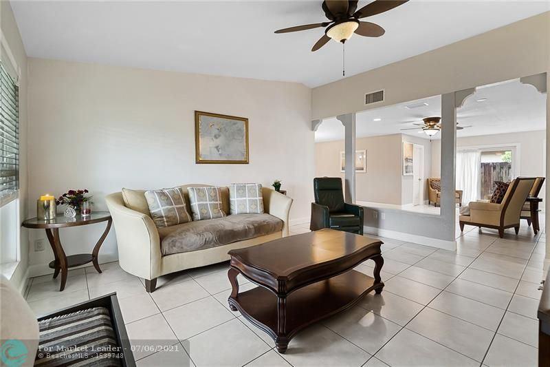 Photo of 302 SW 34th Ave, Deerfield Beach, FL 33442 (MLS # F10291749)