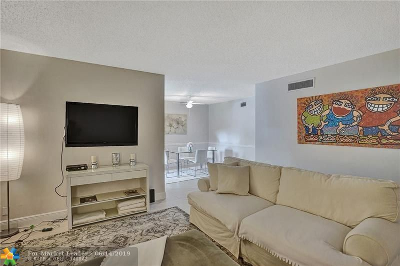 Photo for 8404 W Sample Rd #234, Coral Springs, FL 33065 (MLS # F10179750)