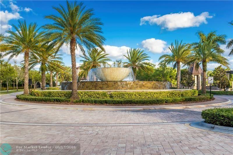 Photo of 10270 Peninsula Pl, Parkland, FL 33076 (MLS # F10284750)