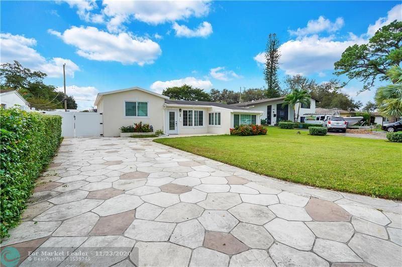 Photo of 6836 SW 12th St, Pembroke Pines, FL 33023 (MLS # F10259753)
