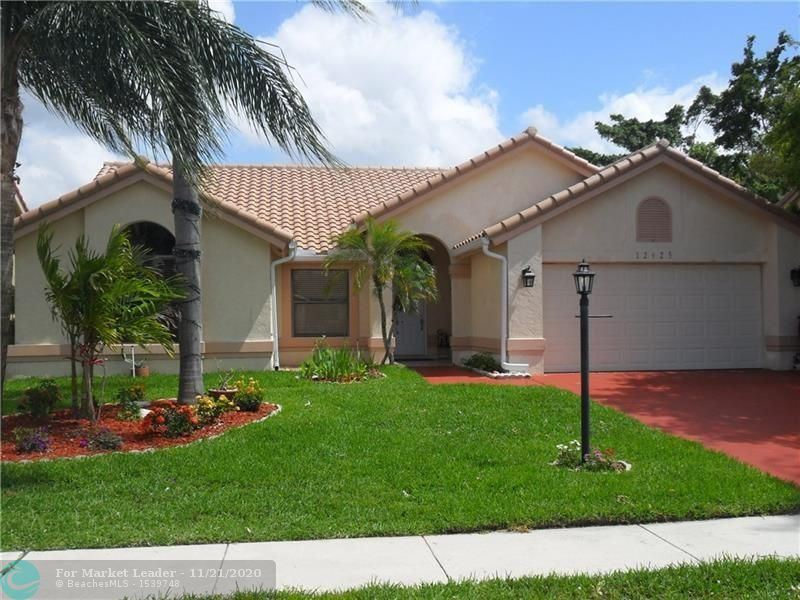 Photo of 12625 White Coral Dr, Wellington, FL 33414 (MLS # F10259754)