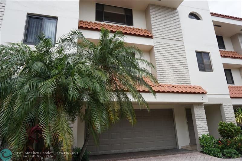 Photo of 1401 NE 9th STREET #5, Fort Lauderdale, FL 33304 (MLS # F10283755)