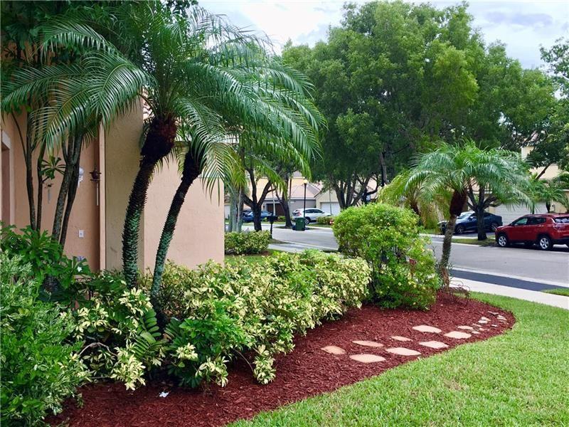 Photo of 4085 Pine Ridge Ln, Weston, FL 33331 (MLS # F10272757)