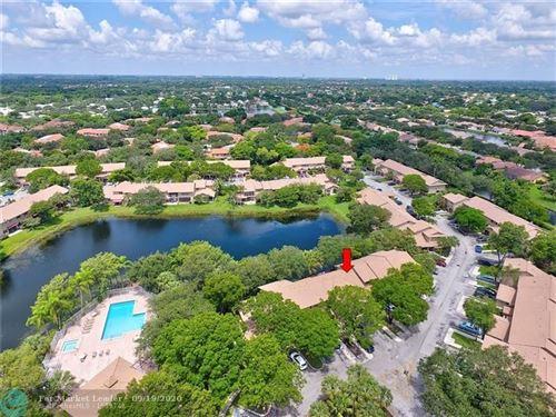 Photo of 9010 Vineyard Lake Dr #9010, Plantation, FL 33324 (MLS # F10249759)