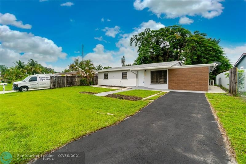 Photo of 4174 SW 48th Ct, Fort Lauderdale, FL 33314 (MLS # F10292768)