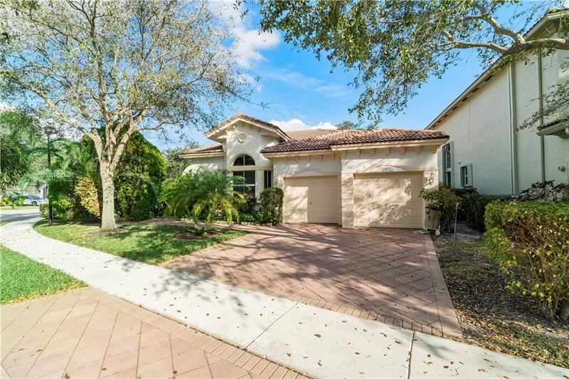 5877 NW 125th Ter, Coral Springs, FL 33076 - #: F10271769