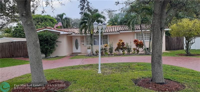 Photo of 1521 NW 84th Ter, Pembroke Pines, FL 33024 (MLS # F10258770)