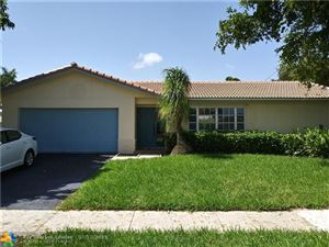 Photo of 9 Burning Tree Ln, Boca Raton, FL 33431 (MLS # F10184773)