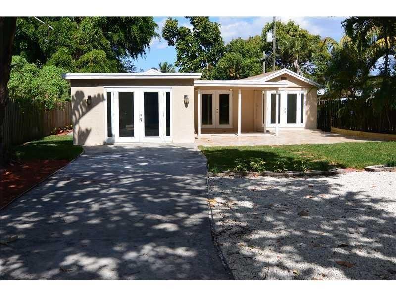 Photo of 537 NE 14th Ct, Fort Lauderdale, FL 33304 (MLS # F10281781)