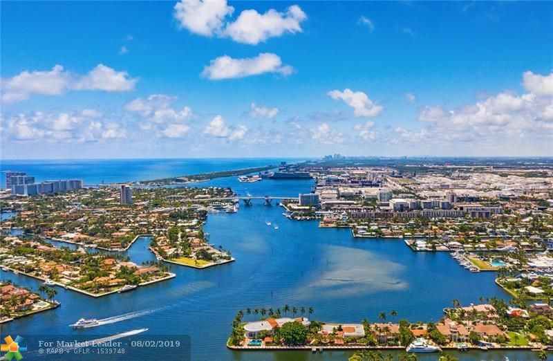 Photo of 1818 SE 10TH ST, Fort Lauderdale, FL 33316 (MLS # F10186782)