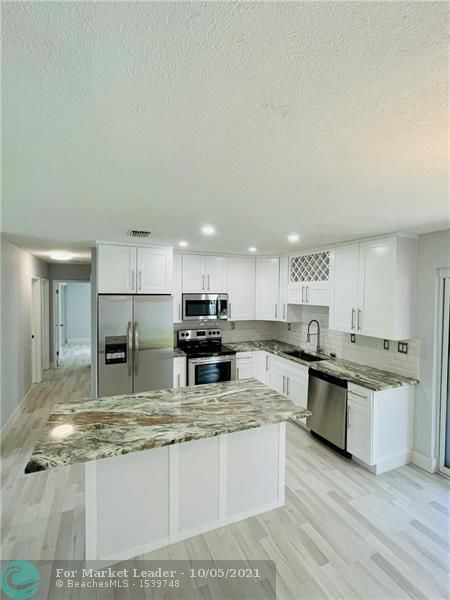 1921 SW 36th Ter, Fort Lauderdale, FL 33312 - #: F10298782