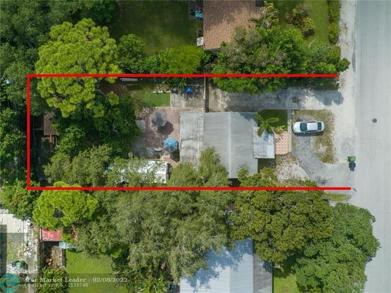Photo of 1308 SW 25th Ave, Fort Lauderdale, FL 33312 (MLS # F10292786)