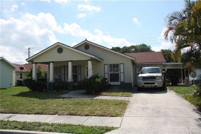 1107 Freshwater Lakes Dr, West Palm Beach, FL 33401 - MLS#: F10276795