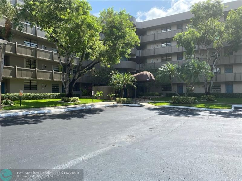 1000 Colony Point Cir #205, Pembroke Pines, FL 33026 - #: F10238801