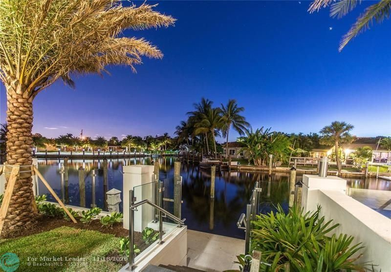 Photo of 246 Garden Ct #-, Lauderdale By The Sea, FL 33308 (MLS # F10258801)