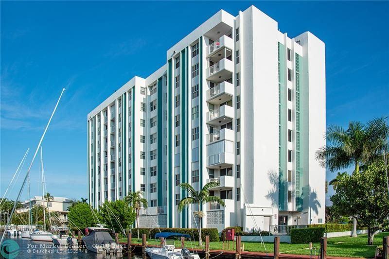 Photo of 3210 SE 10th St #3E, Pompano Beach, FL 33062 (MLS # F10283810)
