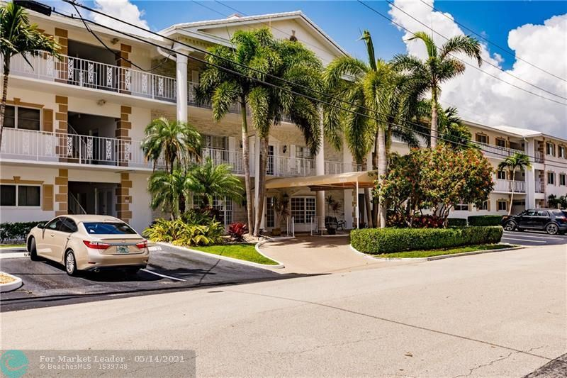 Photo of 3050 NE 48th St #202, Fort Lauderdale, FL 33308 (MLS # F10283812)