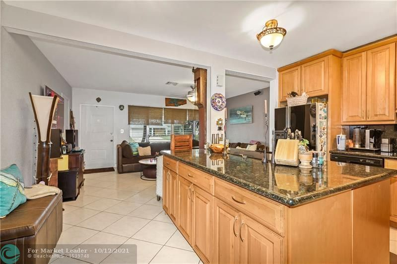 Photo of 1701 SW 23rd Ter, Fort Lauderdale, FL 33312 (MLS # F10303812)