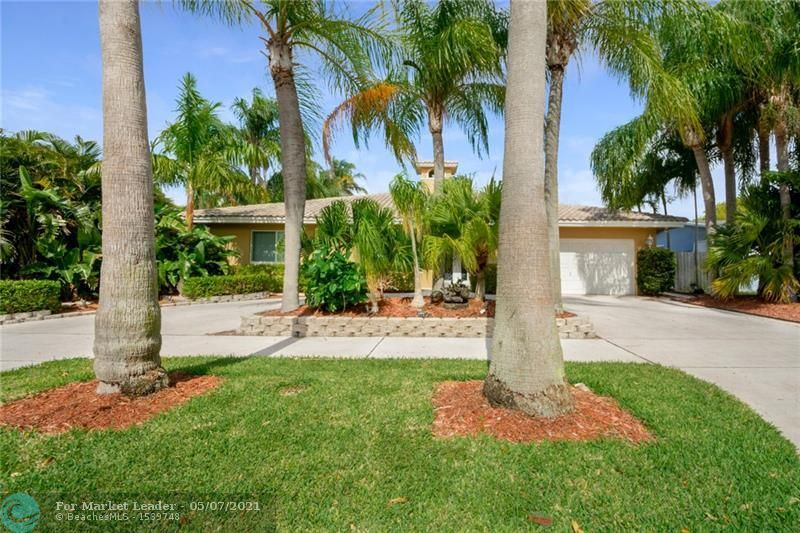 Photo of 17 SE 8th Ter, Deerfield Beach, FL 33441 (MLS # F10282815)