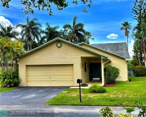 Photo of 8320 SW 41st Ct, Davie, FL 33328 (MLS # F10284817)