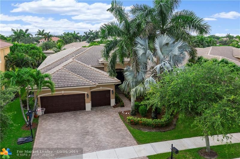 Photo for 7658 NW 117th Ln, Parkland, FL 33076 (MLS # F10183817)
