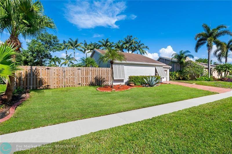 Photo of 511 SW 167th Ave, Weston, FL 33326 (MLS # F10292820)