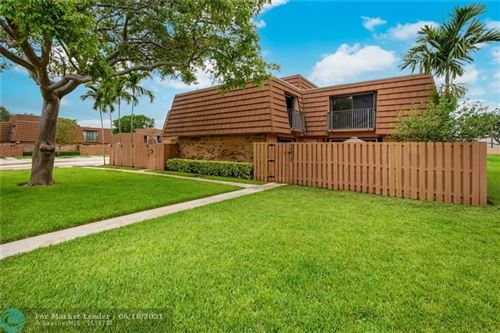 Photo of 2576 N Lakeview Ct, Cooper City, FL 33026 (MLS # F10283823)